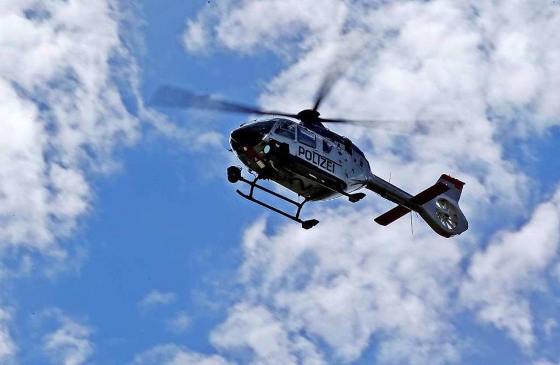 Erfolgreich verlief Dienstagnacht die ...urde auch ein Hubschrauber eingesetzt.    Foto: Jan Woitas (dpa)