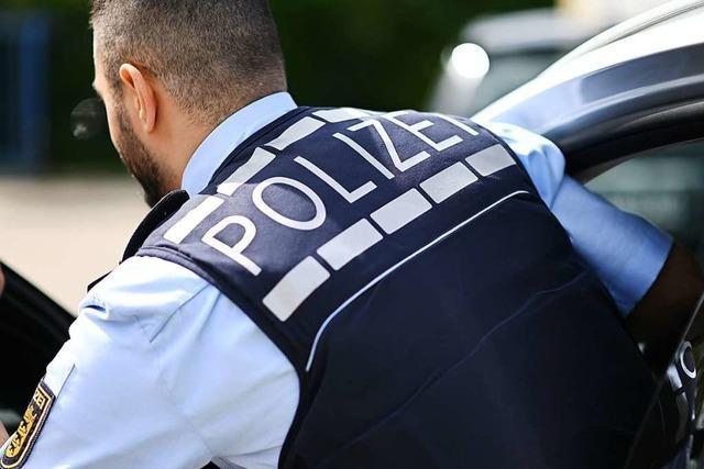 Eine tobende Frau verletzt zwei Polizisten in Lörrach