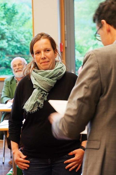 Bürgermeister Hall verpflichtet Neugemeinderätin Susanne Vogler (SÖW).  | Foto: Markus Donner