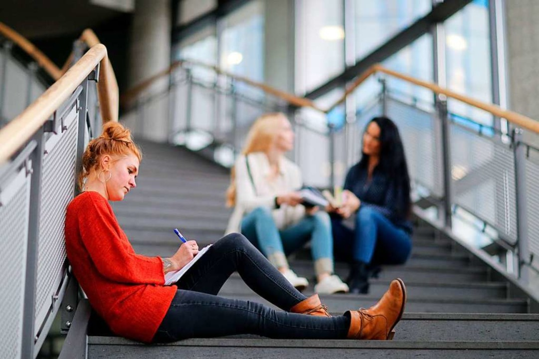 Einen Antrag stellen können alle Studi...ftliche Not geraten sind (Symbolbild).  | Foto: Markus Hibbeler (dpa)