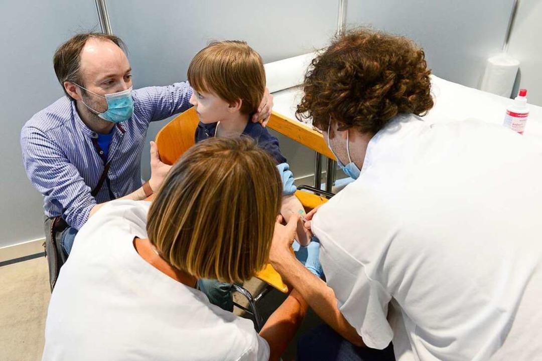 Ein bisschen gepikst hat es bei der Blutprobe für die Studie der Uni-Klinik.  | Foto: Ingo Schneider