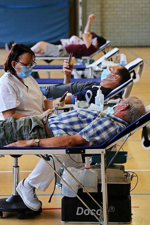 Auch bei der Blutspende ist aktuell de...aagen nach Anmeldung gespendet werden.    Foto: Katharina Bartsch