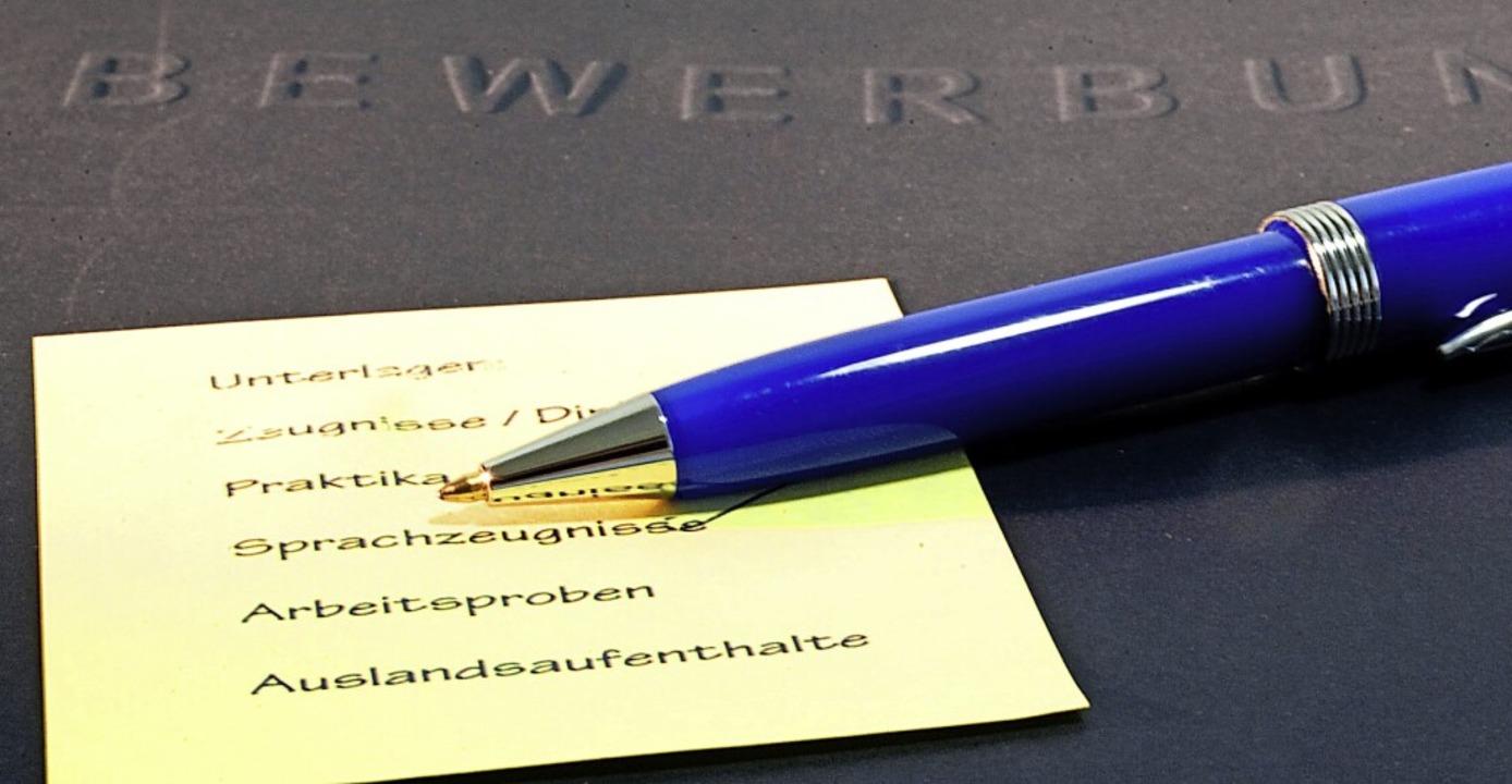 Bewerbungsmappen sollten klar strukturiert und vollständig sein, auch online.  | Foto: Kai Remmers