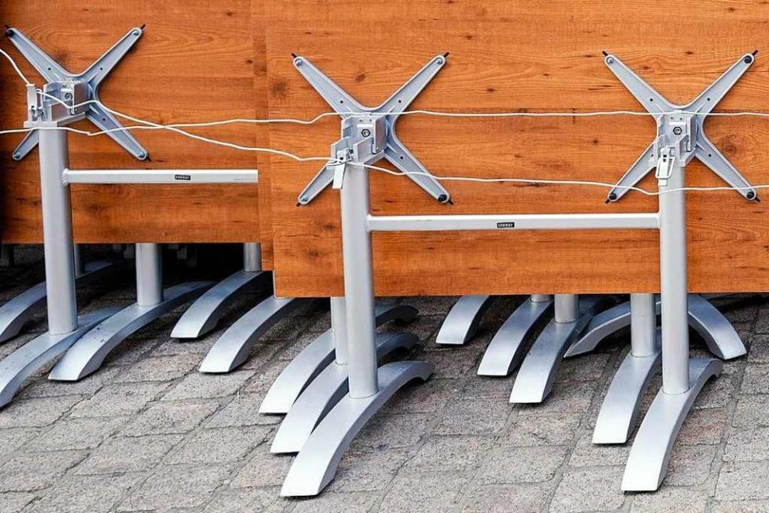 ...und das sind Tischbeine. Bitte nicht verwechseln!  | Foto: Uwe Anspach (dpa)