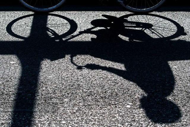 Mit dem Rennrad über Leitplanke