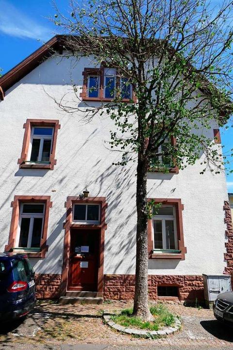 In diesem Gebäude in der Schulstraße i...Geschäftsstelle und mehrere Kursräume.    Foto: Sylvia Sredniawa
