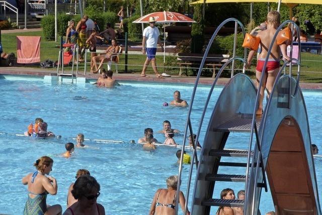 Die Schwimmbäder warten auf Besucher