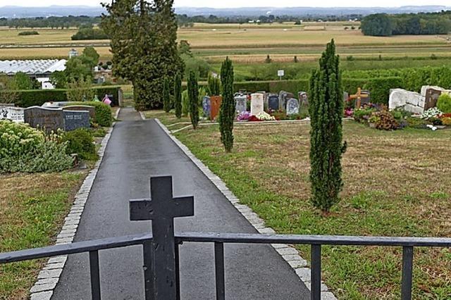 Urnengräber am Eingangsbereich