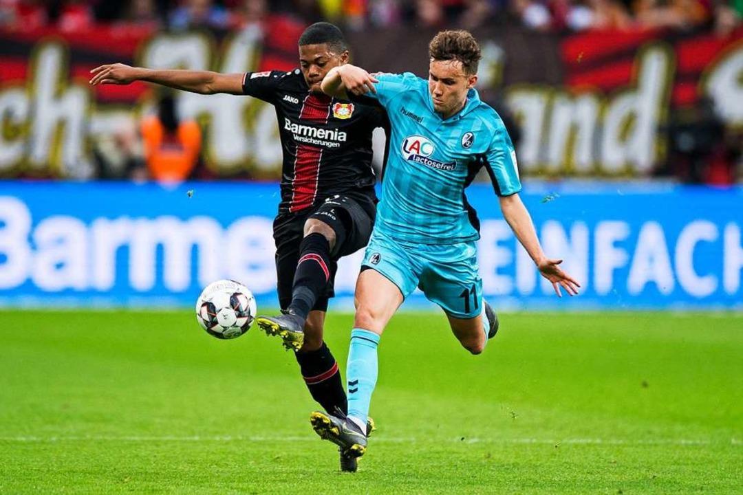 März 2019: Der Leverkusener Leon Baile...urg verlor das Auswärtsspiel mit  0:2.  | Foto: Rolf Vennenbernd