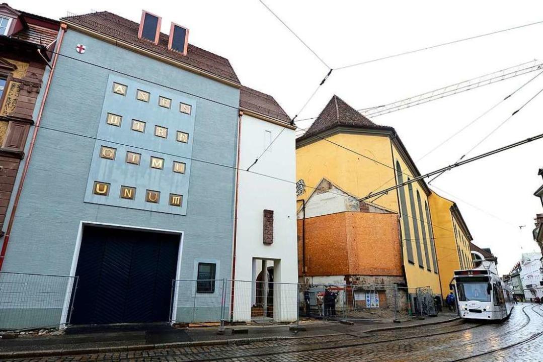 Haus der Graphischen Sammlung (links) ...Millionen Euro geschätzt (Archivbild).  | Foto: Ingo Schneider