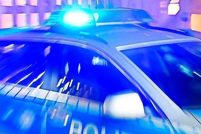 Beamte lösen Abi-Party in Kirchzarten auf – Feiernde beschädigen Fahrzeuge