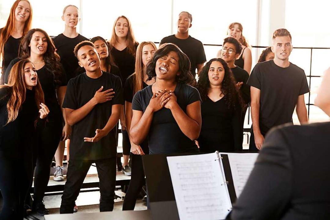 Beim Singen werden viele Aerosole durch die Luft gewirbelt.    Foto: Monkey Business  (stock.adobe.com)