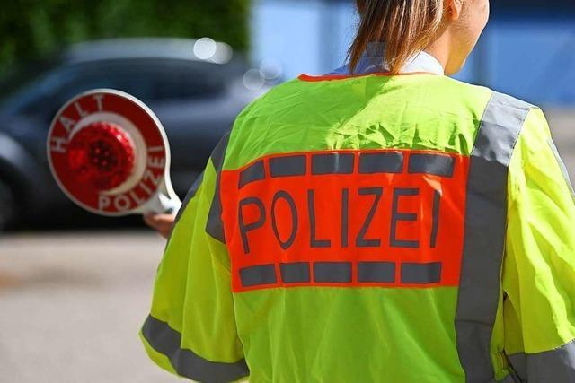 Radfahrerin stürzt unter Alkoholeinfluss und schläft bei der Polizei