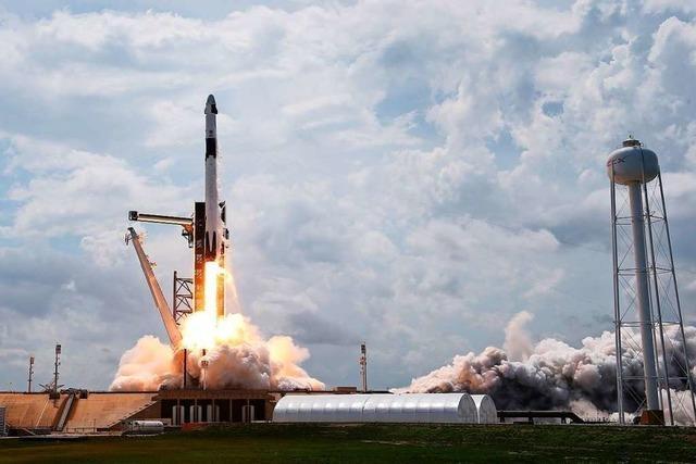 US-Raumkapsel dockt erfolgreich an Internationale Raumstation ISS