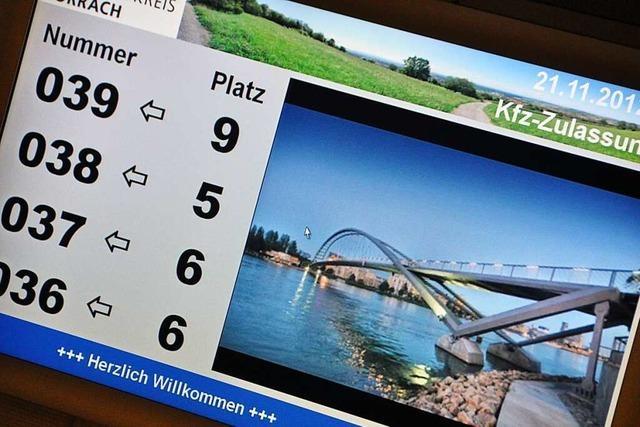 Autohändler fühlen sich von der Lörracher Zulassungsstelle ausgebremst