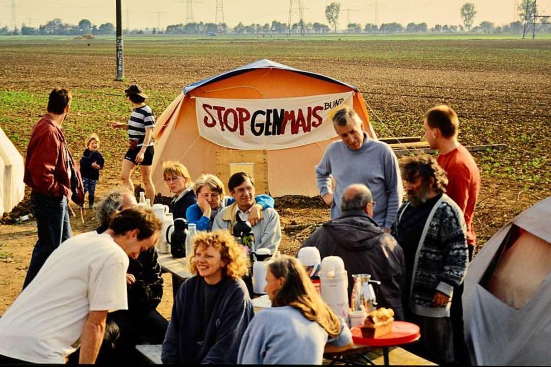 Am 1. Juni 1995 wurde auf einem Feld z...er Start der Bugginger Ackerbesetzung.  | Foto: privat