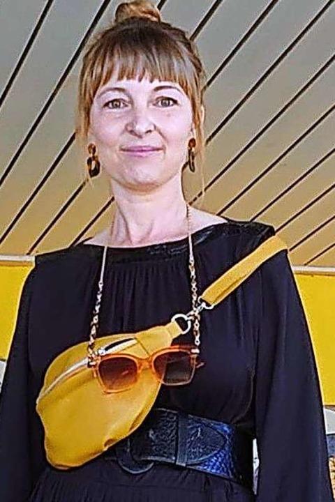Überbringer für die Eltern-Initiative waren Carolin Fessler...  | Foto: Privat