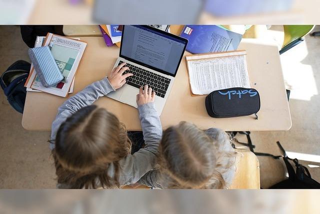 Die Grundschule erhält Computer