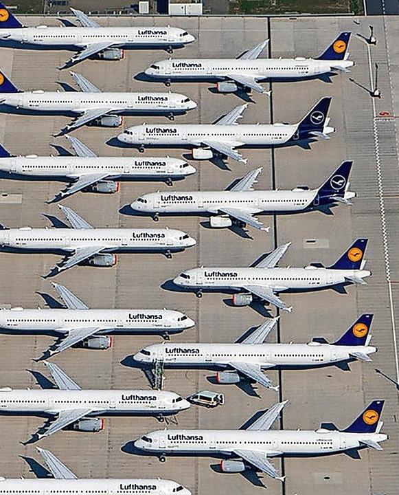 Viele Flugzeuge zuviel  | Foto: Tino Schöning (dpa)