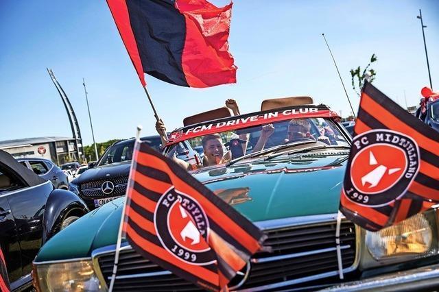 So geht's auch: Autokino für Fußball-Fans in Dänemark