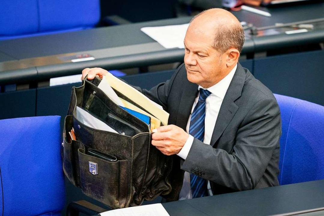 Bundesfinanzminister Olaf Scholz (SPD)...das größte Hilfspaket der Geschichte.   | Foto: Kay Nietfeld (dpa)