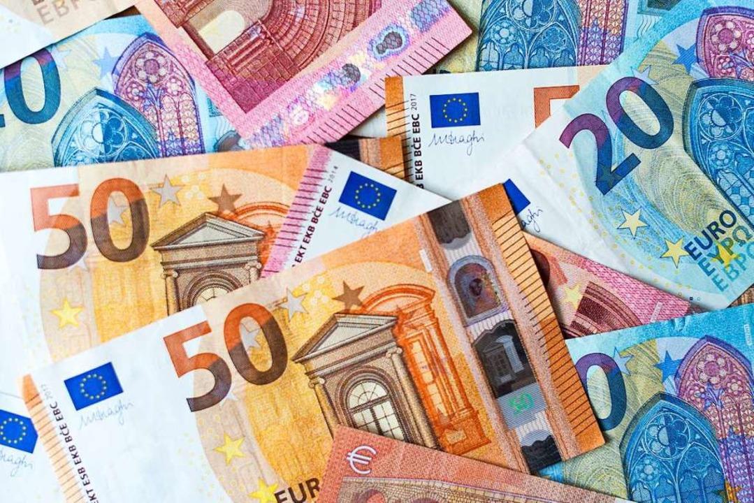 Würde all das beschlossen, was die Par...en gut   250 Milliarden Euro  zusammen  | Foto: Monika Skolimowska (dpa)