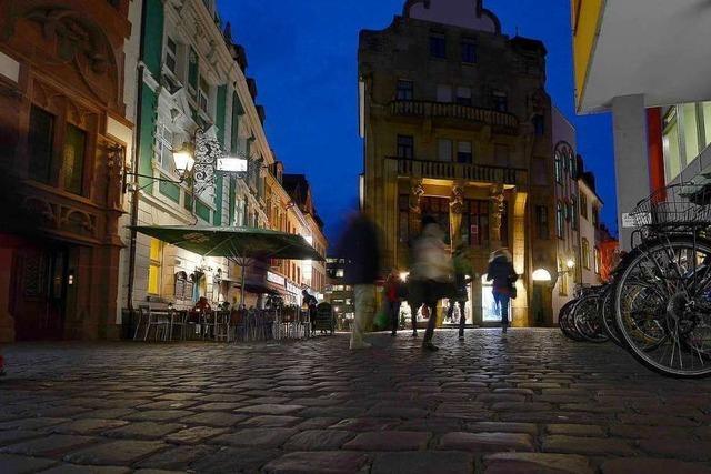 Ein Streifzug durch eine warme Freiburger Nacht zu Corona-Zeiten