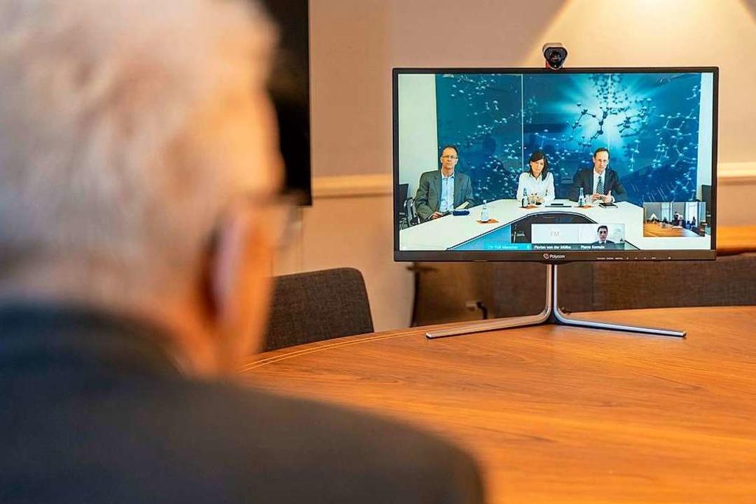 Auf bundespolitischer Ebene ist man lä...it für Videokonferenzen  (Archivbild).  | Foto: Jana Hoeffner (dpa)
