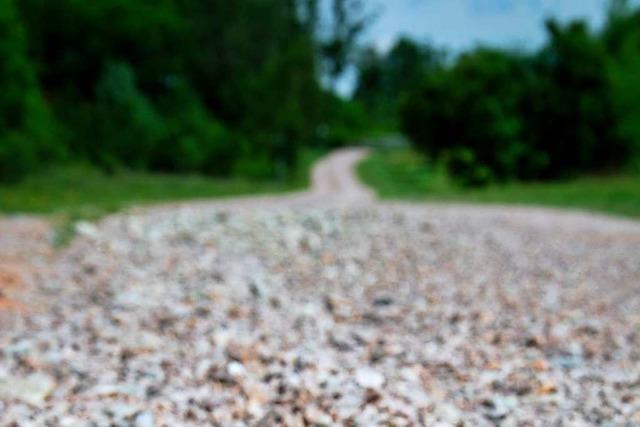 Radfahrer werden bei Schopfheim durch Schotter ausgebremst