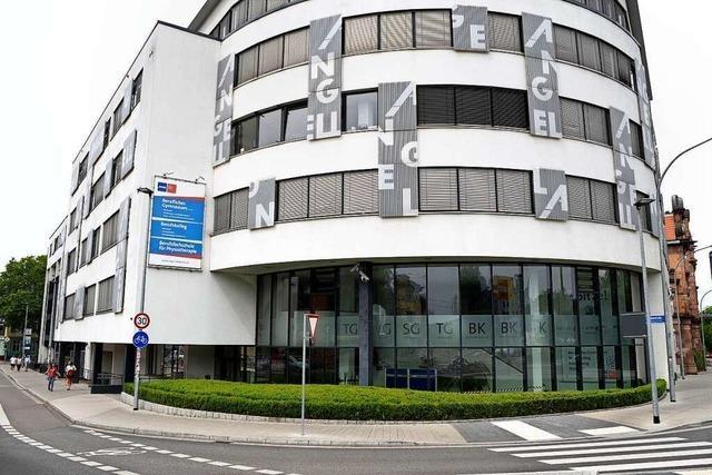 Wie Privatschulen in Freiburg auf die Corona-Schließungen reagieren