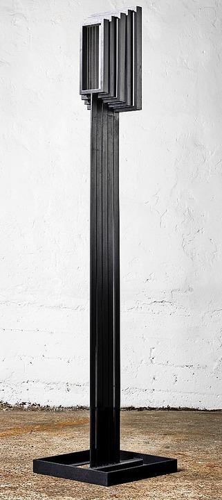 Jürgen Heinz' Stahlplastiken off...n sind abstrakt-amorphe Bildfindungen.  | Foto: Felix Schöppner/Atelier Jürgen Heinz