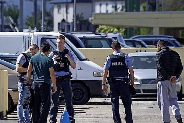 Noch keine Spur nach Attacke auf Polizei und Feuerwehr
