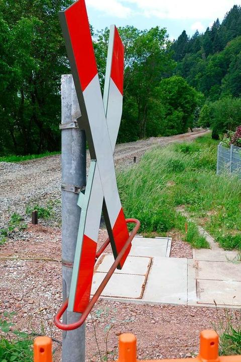 Bahnübergang Heitereweg: Hier fährt gerade kein Zug mangels Gleisen.  | Foto: Sylvia Sredniawa