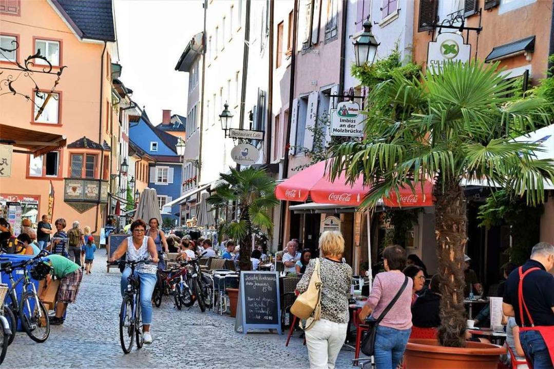 Die Rheinrückstraße in der  Fußgängerzone im Sommer 2019    Foto: Hildegard Siebold