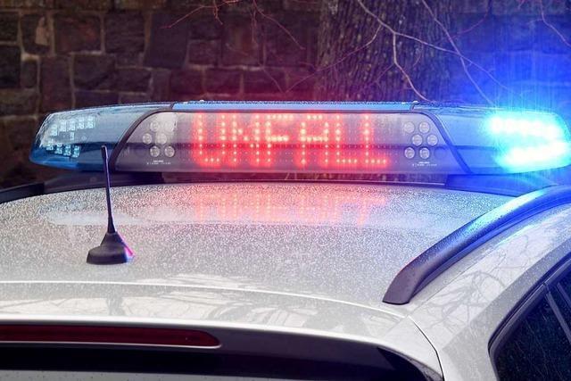 Ein Verletzter bei Unfall in Freiburg-Zähringen – Polizei sucht Zeugen