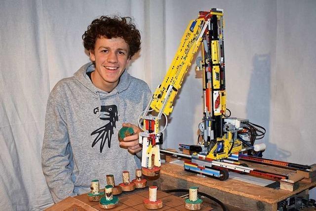Breisacher Schüler baut Roboter, der bei Tic-Tac-Toe nie verliert