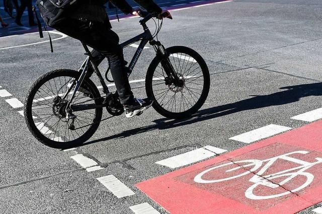 89-Jähriger stürzt in Bad Säckingen mit dem Fahrrad und verletzt sich schwer
