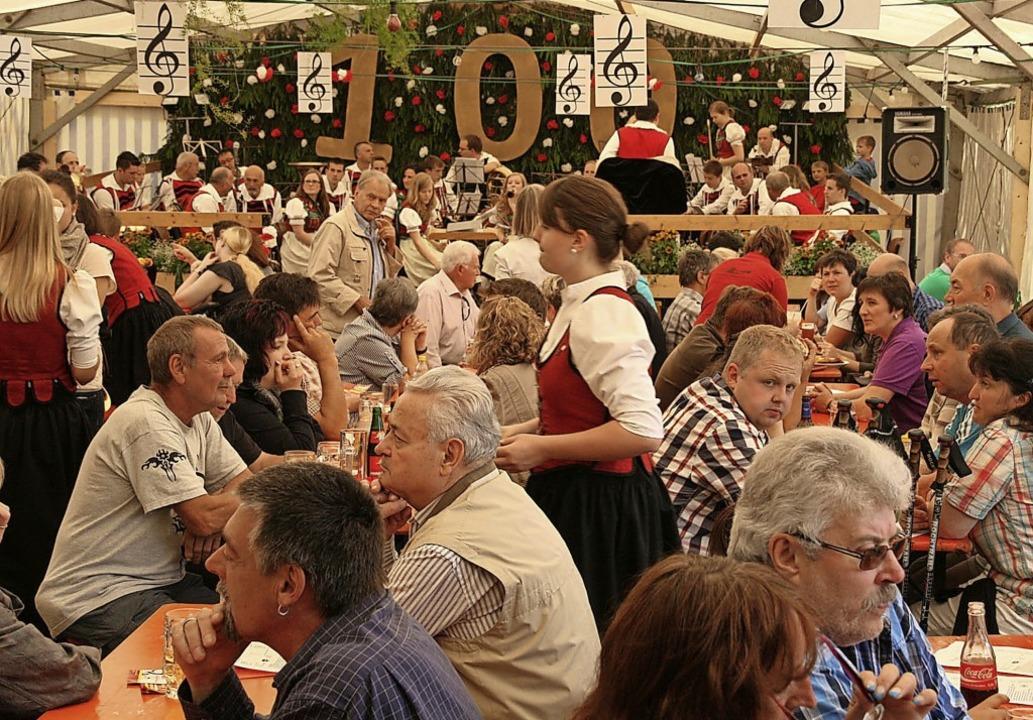 Volle Festzelte wie  am Musikfest in O...in 2020 voraussichtlich nicht geben.      Foto: Peter Schütz