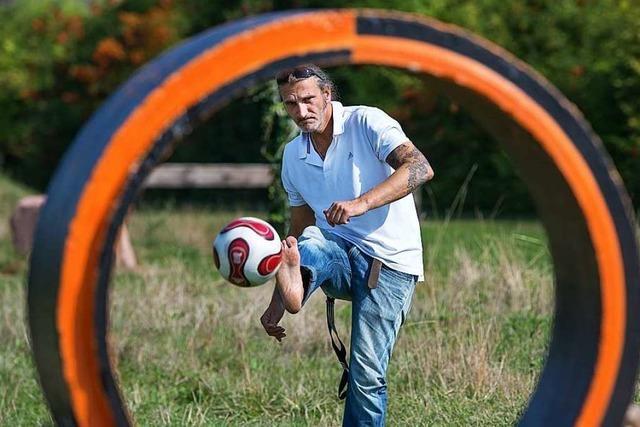 Abstandhalten ist beim Fußballgolf in Dundenheim kein großes Problem