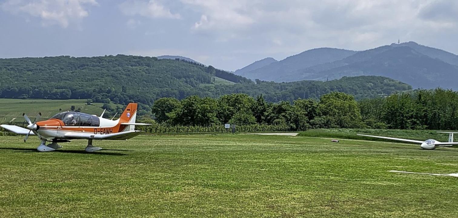 Auf dem Müllheimer Fluggelände dürfen wieder Flieger starten.     Foto: Arno Breitenfeld