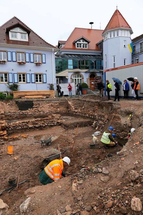 Das Grabungsfeld beim Bad Krozinger Rathaus  | Foto: Hans-Peter Müller