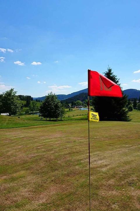 Der Par-68-Kurs des Golfclubs Hochschw...und zwei Kilometern von Ost nach West.  | Foto: Andreas Strepenick