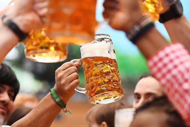 Warum in Bayern über ein Bierzelt-Lied gestritten wird