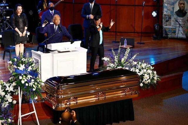 Emotionale Trauerfeier für George Floyd: