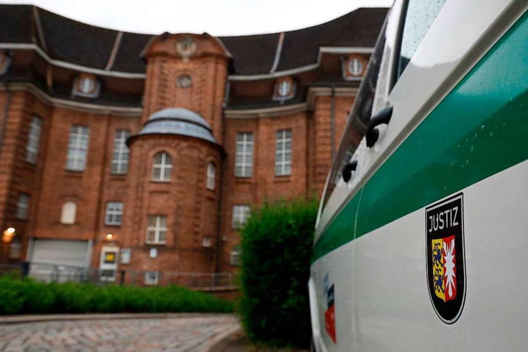 Der Verdächtige Mann ist in der JVA Kiel in Haft.  | Foto: MORRIS MAC MATZEN (AFP)