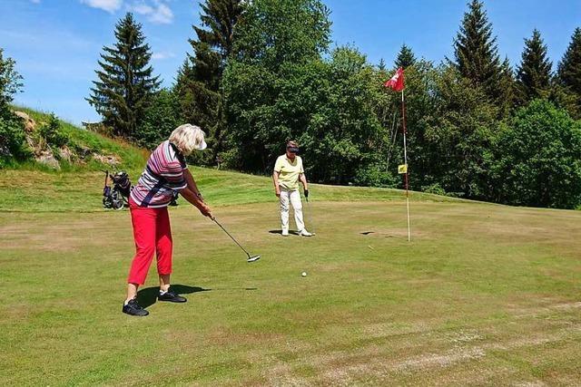 Golf ist während der Pandemie ein weitgehend gefahrloses Vergnügen