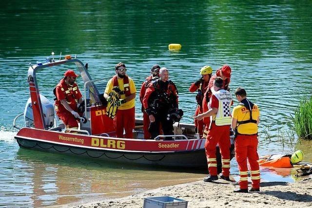 DLRG passt wieder am Opfinger Baggersee auf – entgegen der Empfehlung ihres Landesverbands