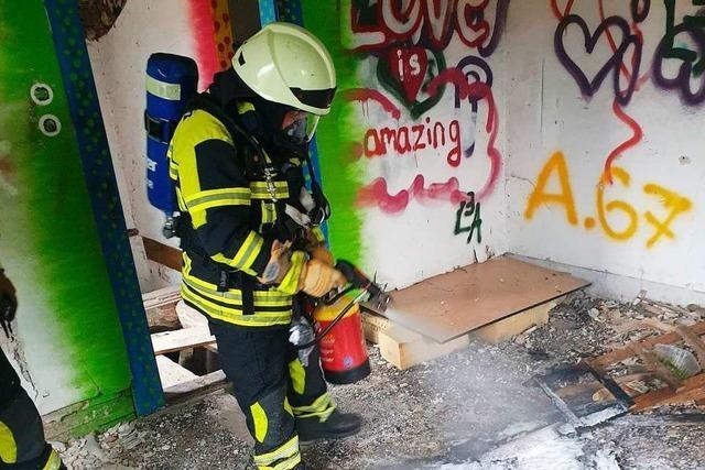 Passantin verhindert Brand in Bahnwärterhäuschen in Müllheim