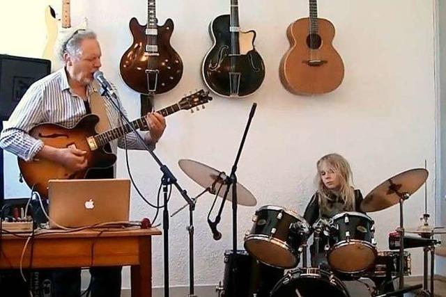 Video: Hary de Ville und sein Sohn Veit spielen
