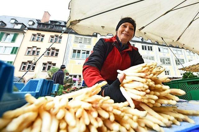 Jetzt kommt der letzte Spargel auf den Münstermarkt